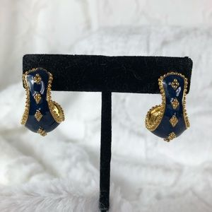 Avon Museum Expressions Pierced Earrings new!